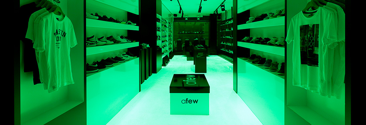 Afew Store Innenansicht Glow in the dark