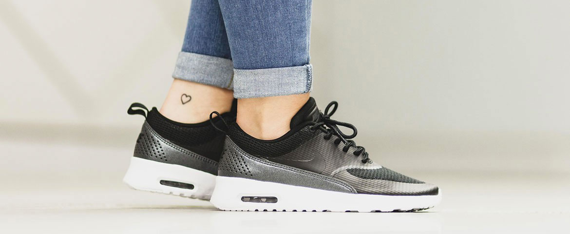 huge selection of f5c0a 0279f NIKE WMNS AIR MAX THEA